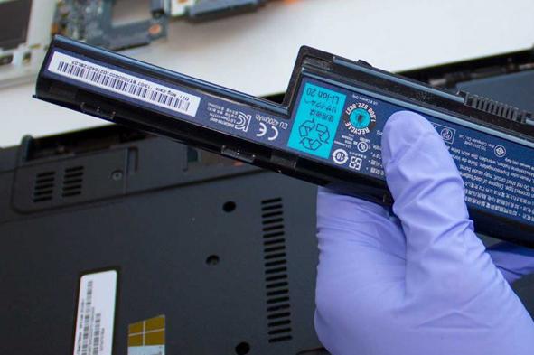 laptop-battery-replacement-pcexpertservices-irvine-newport-beach-service